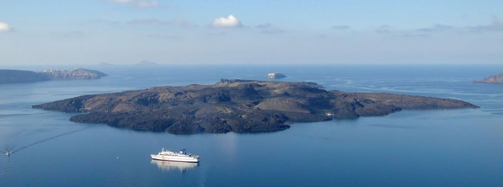Nea Kameni see from Thera, Santorini Photo by Bernard Gagnon, Wikipedia