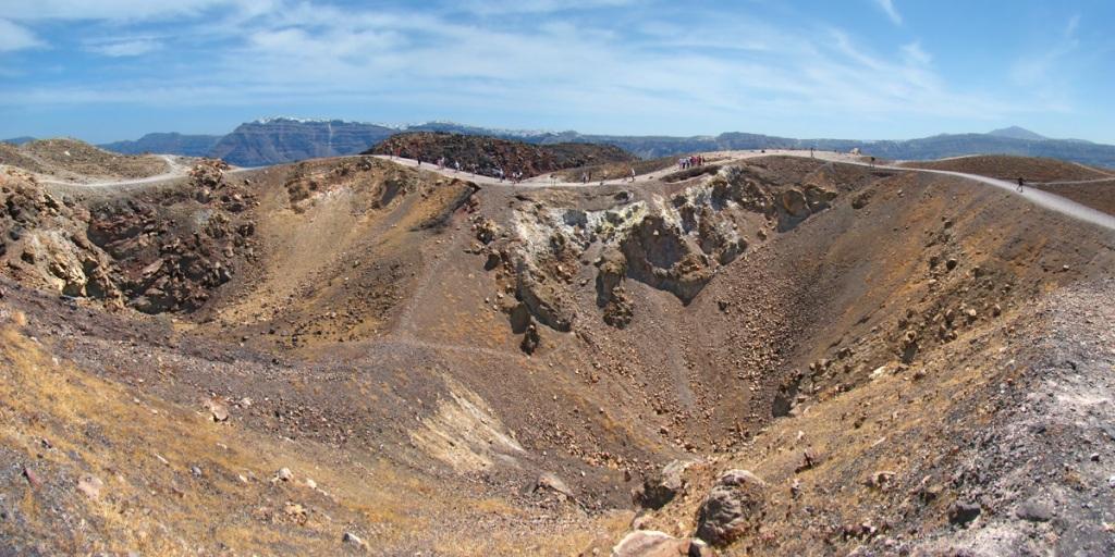 The volcanic crater of Nea Kameni Photo by Tango7174, Wikipedia