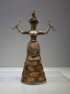 Snake Goddess By C Messier - Own work https://commons.wikimedia.org/w/index.php?curid=38402269
